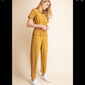 Gilli Mustard Jumpsuit Size Small
